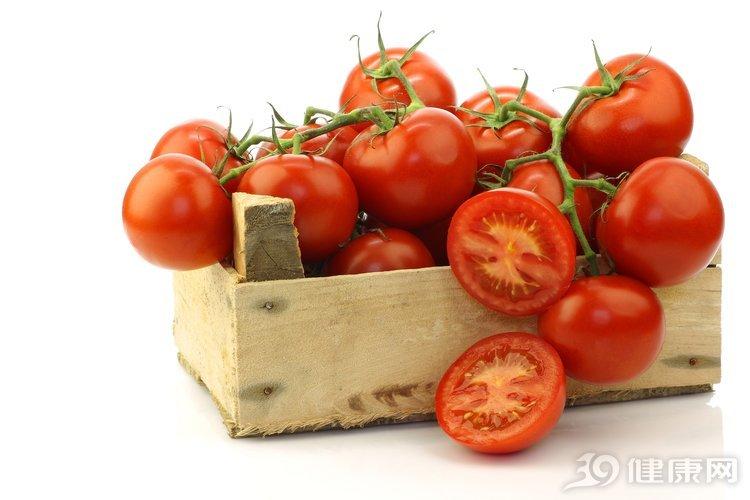 """番茄美容養顏,降脂降壓,但""""3個不""""醫生忘記提醒你!"""