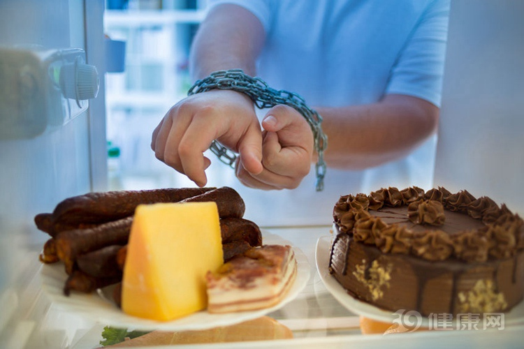 """忠告:4種早餐每天吃,你是在""""害自己""""!幾乎沒營養"""