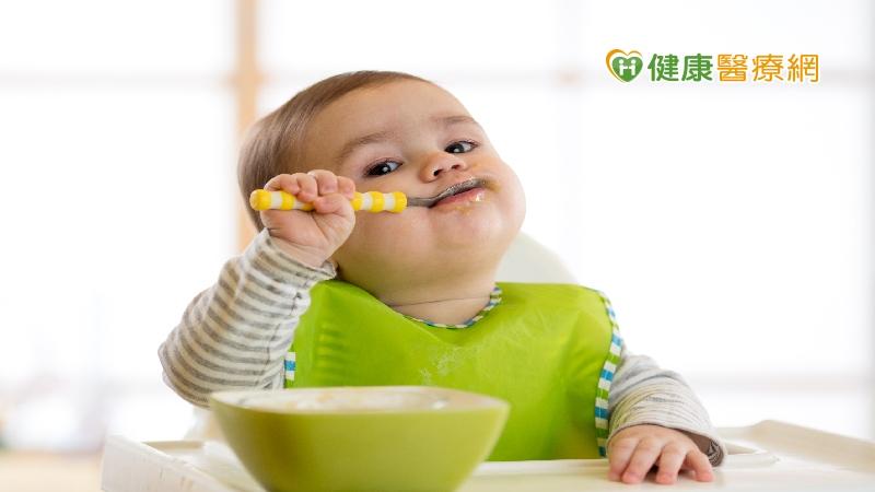 出生腦缺氧致吞嚥困難 醫:積極治療能治好_板橋人工植牙
